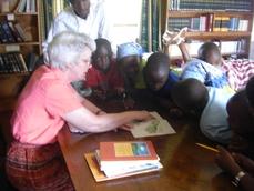 Sue Gravino reading with Grace Childrens Home kids, 2011.JPG